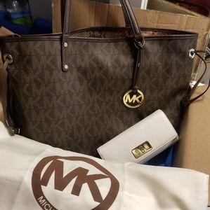 Michael kors tote & wallet
